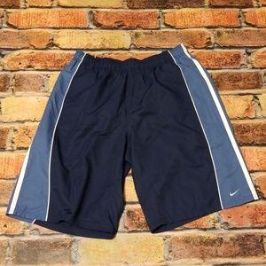 Nike size xl swim trunks. (G95)